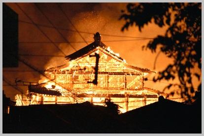 【首里城火災】出火原因は首里城祭りや放火?けが人や被害状況は?動画