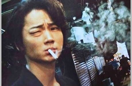 綾野剛は喫煙者でヘビースモーカー?タバコの銘柄は?タバコ姿がカッコいい!