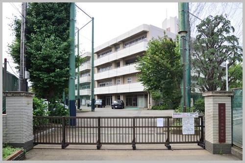 六角橋中学校